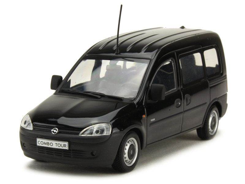 37284 Opel Combo Tour 2002