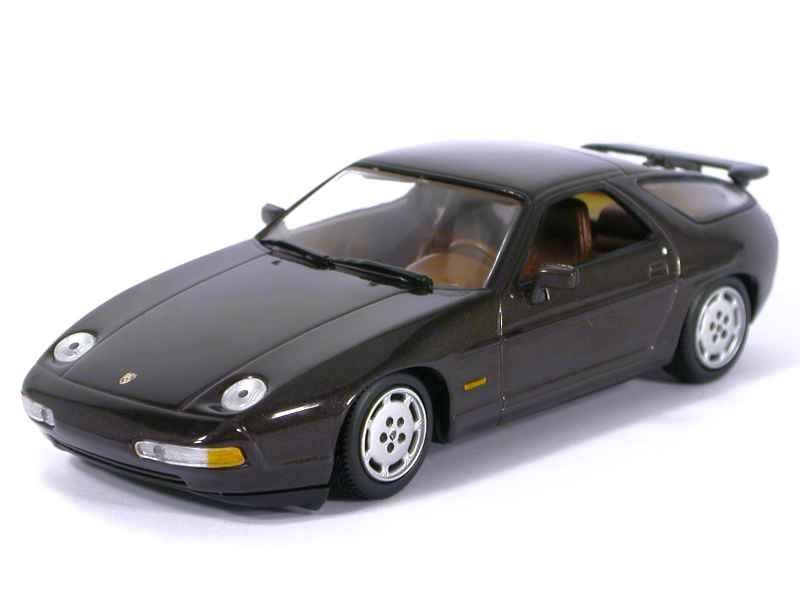 40726 Porsche 928 S4 1991