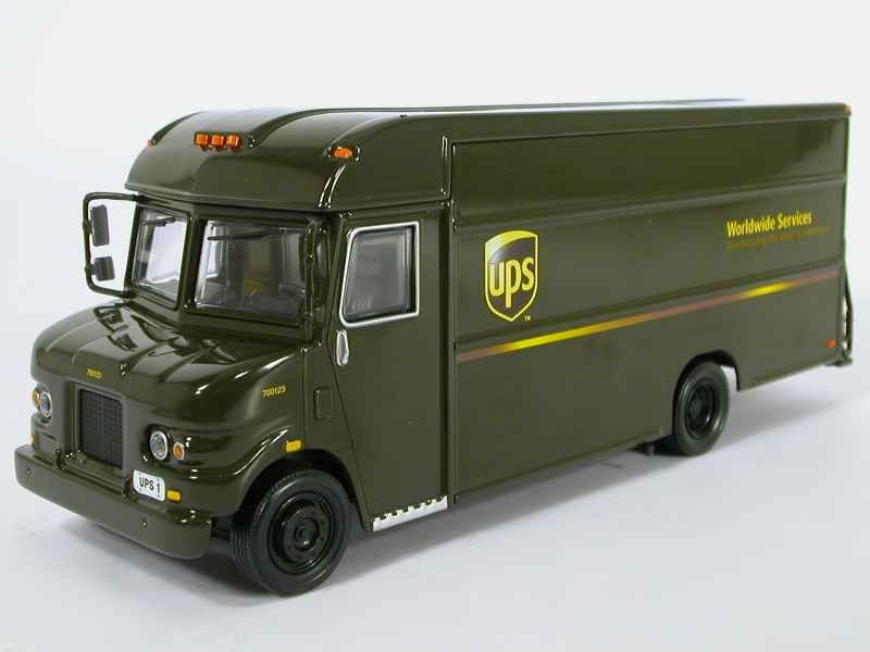 42031 Divers UPS Delivery Van