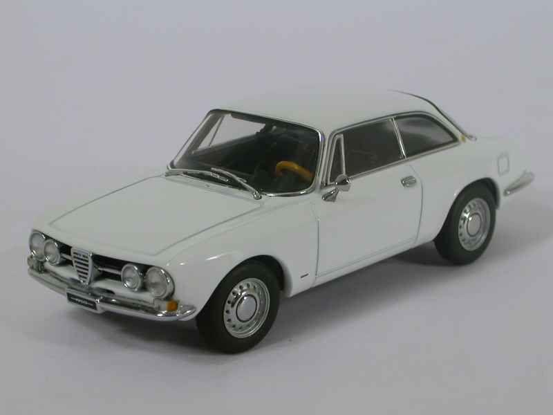 43516 Alfa Romeo 1750 GTV 1967