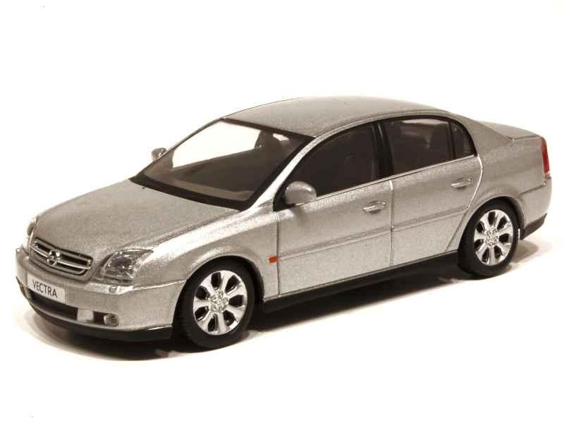 54452 Opel Vectra 4 Doors 2004