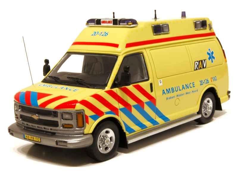 59382 Chevrolet 610 RAV BR2 Ambulance