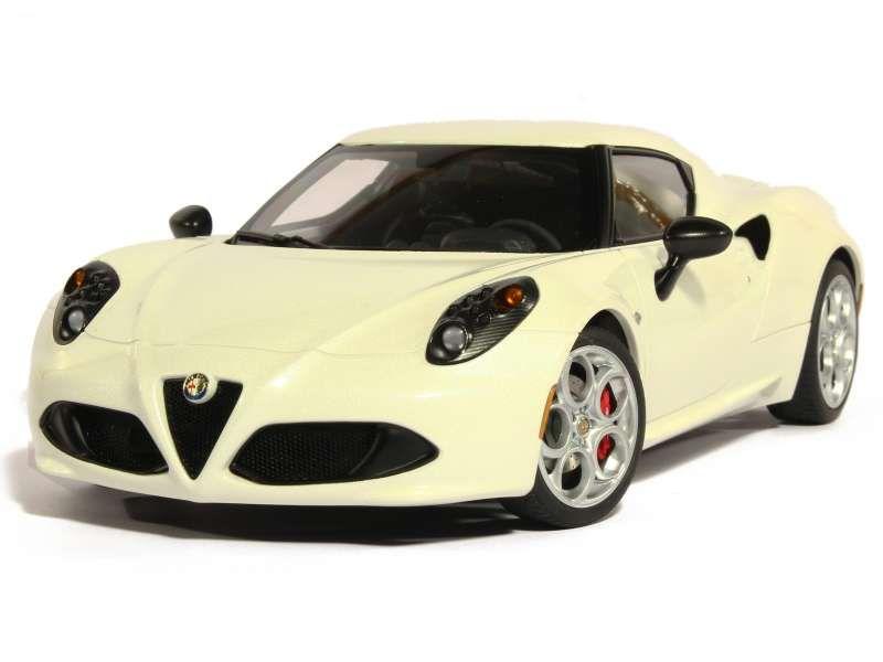 81147 Alfa Romeo 4C 2013