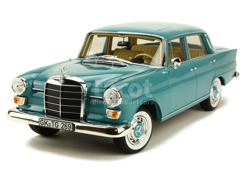 88644 Mercedes 200 Sedan/ W110 1966