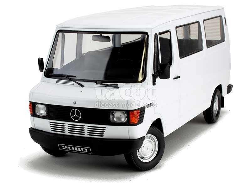 89872 Mercedes 208D Minibus
