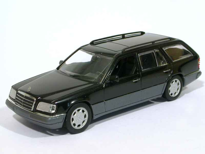 mercedes e class break w124 minichamps 1 43 autos miniatures tacot. Black Bedroom Furniture Sets. Home Design Ideas