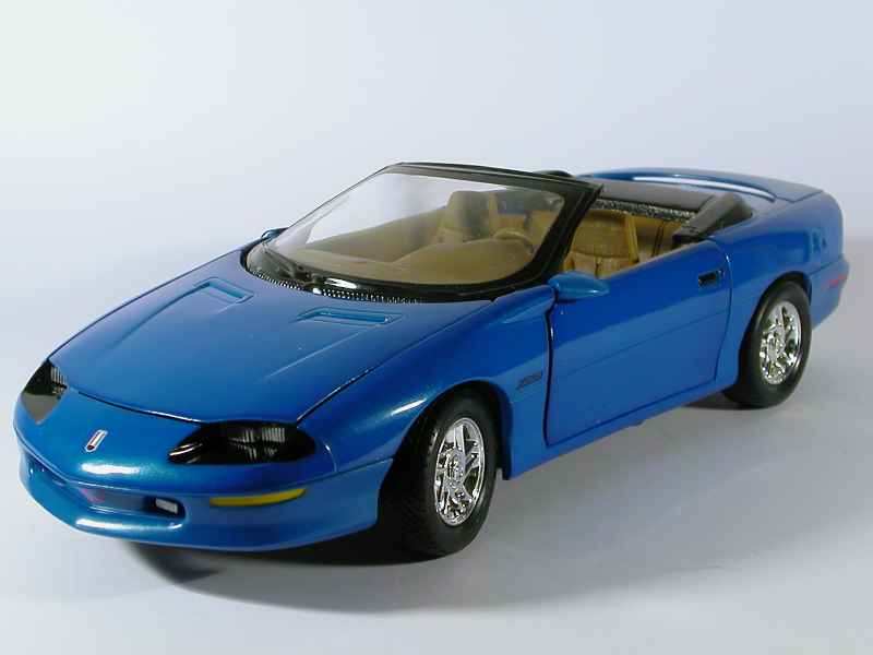 chevrolet camaro z28 cabriolet 1996 ertl 1 18 autos miniatures tacot. Black Bedroom Furniture Sets. Home Design Ideas