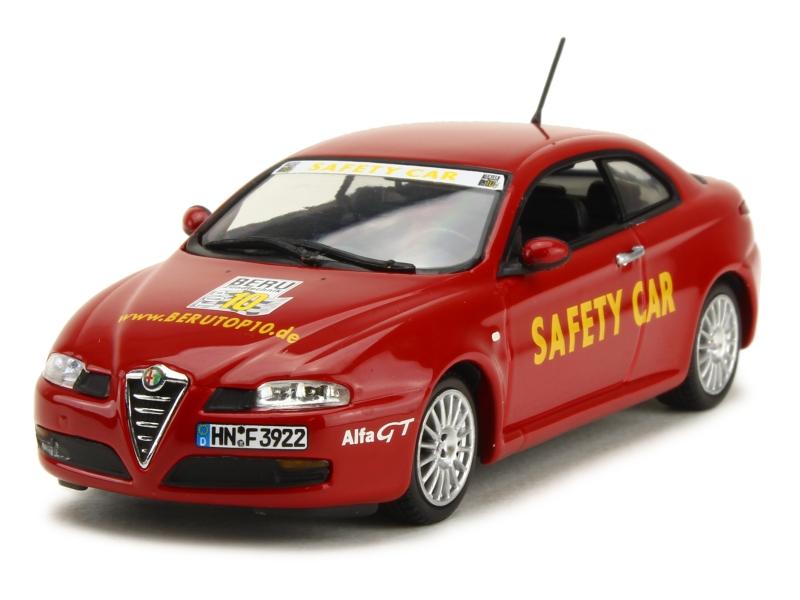 44205 Alfa Romeo GT Coupé Safety Car 2004