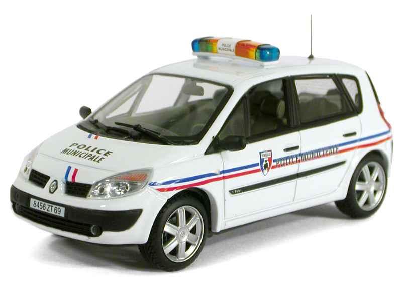renault sc nic ii police universal hobbies 1 43 autos miniatures tacot. Black Bedroom Furniture Sets. Home Design Ideas