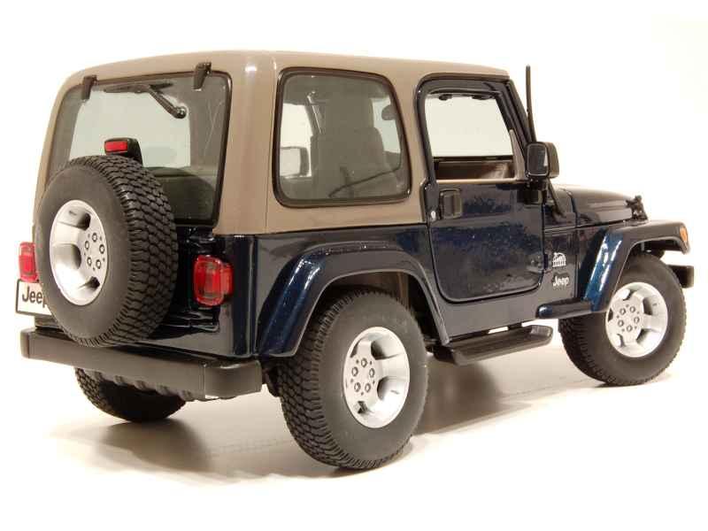 jeep wrangler sahara burago 1 18 autos miniatures. Black Bedroom Furniture Sets. Home Design Ideas