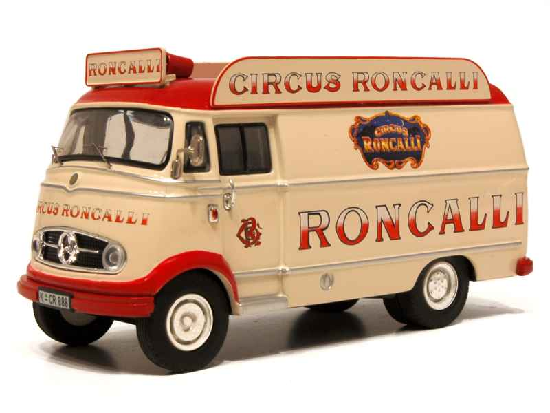 Voiture miniature cirque 1 43 1 18 autos miniatures tacot