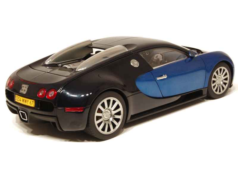 bugatti veyron 16 4 production car autoart 1 18 autos miniatures tacot. Black Bedroom Furniture Sets. Home Design Ideas