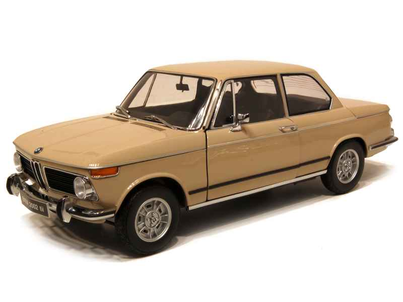 bmw 2002 tii e10 1973 kyosho 1 18 autos miniatures tacot. Black Bedroom Furniture Sets. Home Design Ideas