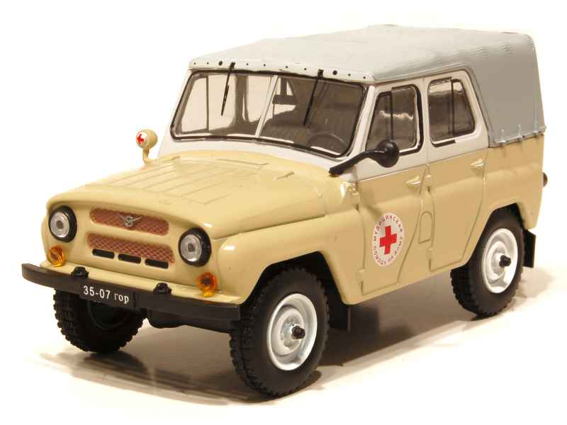 66886 UAZ 469 BG Ambulance 1977