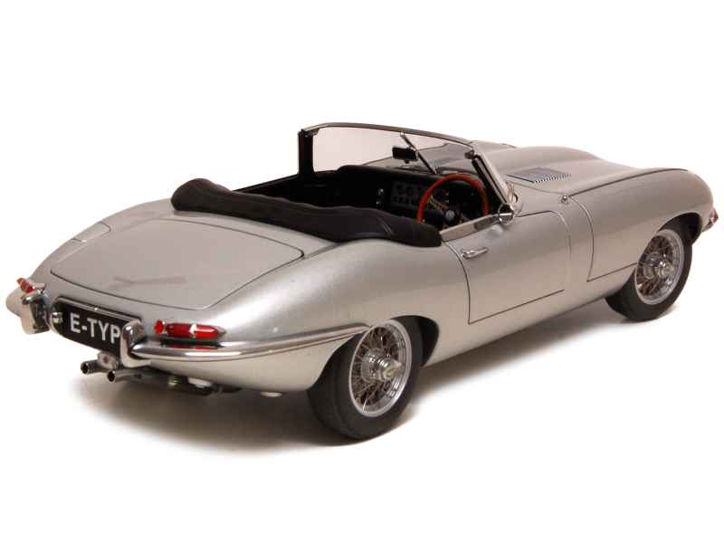 jaguar type e cabriolet 3 8l 1961 autoart 1 18 autos miniatures tacot. Black Bedroom Furniture Sets. Home Design Ideas