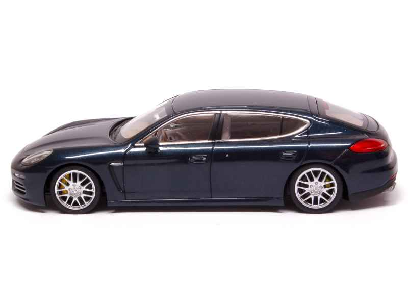porsche panamera 4s long 2013 minichamps 1 43 autos miniatures tacot. Black Bedroom Furniture Sets. Home Design Ideas