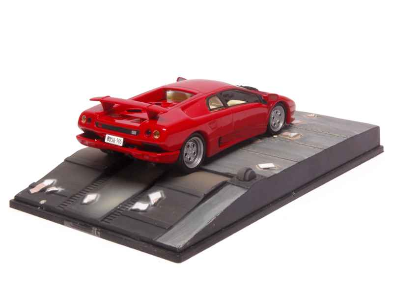 lamborghini diablo 1992 james bond 007 x press f 1 43 autos miniature. Black Bedroom Furniture Sets. Home Design Ideas