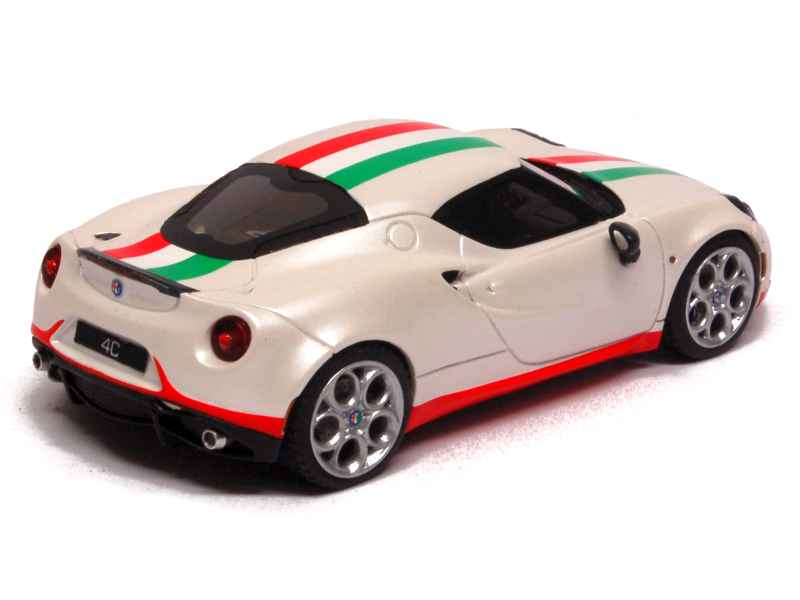 alfa romeo 4c safety car moscow edition 2013 looksmart 1 43 autos miniatures tacot. Black Bedroom Furniture Sets. Home Design Ideas