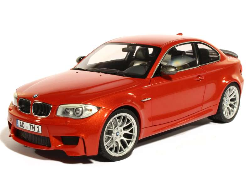 bmw 1m coup e82 2011 minichamps 1 18 autos miniatures tacot. Black Bedroom Furniture Sets. Home Design Ideas