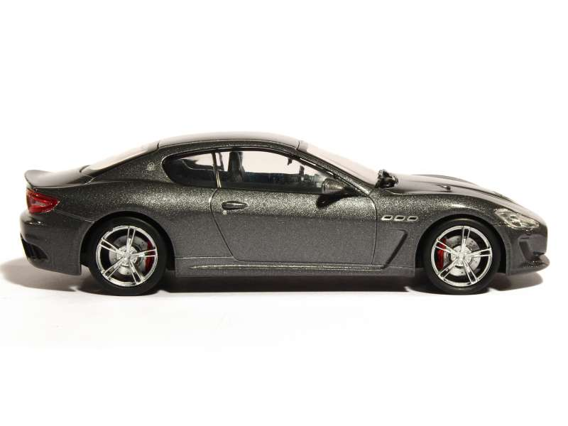 maserati granturismo mc stradale 2013 whitebox 1 43 autos miniatures tacot. Black Bedroom Furniture Sets. Home Design Ideas