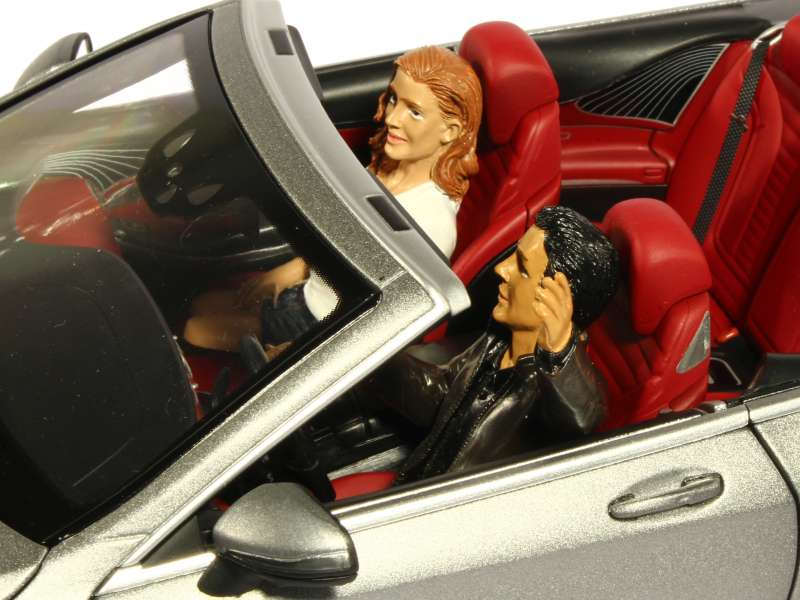 divers couple en voiture american diorama 1 18 autos miniatures tacot. Black Bedroom Furniture Sets. Home Design Ideas