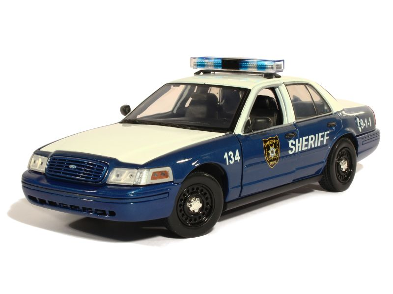 83127 Ford Crown Victoria Police 2001