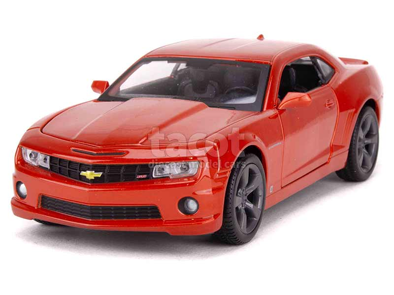 92002 Chevrolet Camaro SS RS 2010