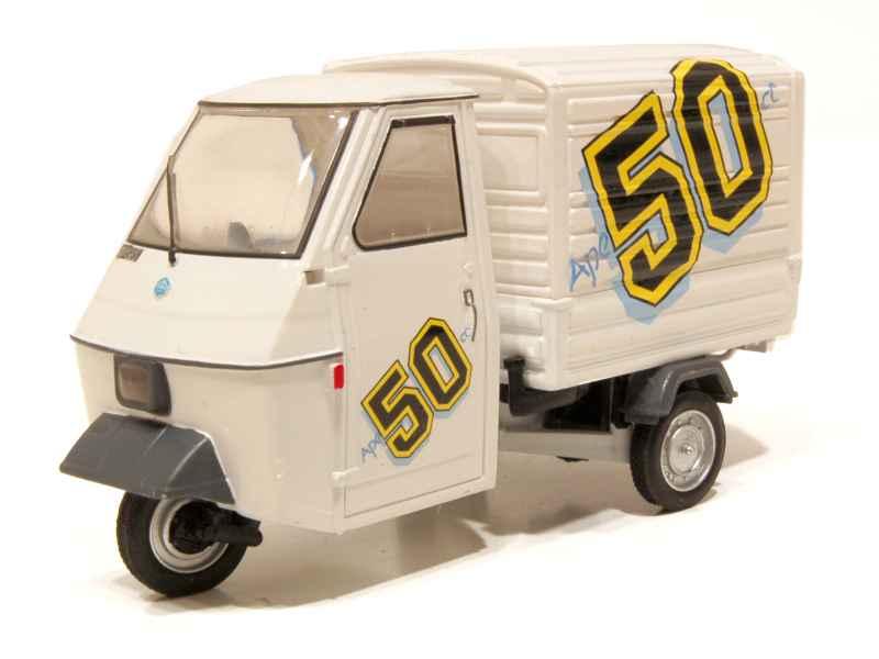 piaggio ape 50 fourgon 1986 italeri 1 32 autos miniatures tacot. Black Bedroom Furniture Sets. Home Design Ideas